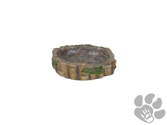 De Trixie Water- / Voederschaal Reptiel 13 x 11 x 3,5 cm is een decoratieve waterschaal of voerbak voor het terrarium met reptielen, van veilig polyesterhars en met een natuurlijke uitstraling. Deze leuke voerschaal maakt de look van jouw regenwoudterrarium helemaal af! Deze voer- of waterschaal is uitgevoerd in een natuurlijke vorm met een structuur van een boom met mos. De schaal is gemaakt van polyesterhars, een materiaal dat geschikt is voor het gebruik met levensmiddelen, en dus veilig voor jouw dier. Door de gladde afwerking van de binnenkant is deze gemakkelijk schoon te maken. - Decoratieve voerbak of waterschaal voor reptielen - Ideaal voor regenwoud terraria - Van polyesterhars veilig voor het gebruik met levensmiddelen - Met gladde binnenkant voor gemakkelijk schoonmaken Afmetingen: 13 x 11 x 3,5 cm